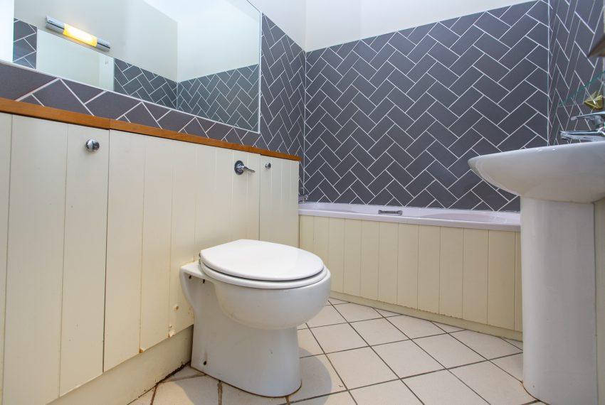 C-Bathroom-002